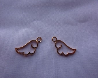 18mm Tiny Gold Curled Wing Outline Charm (set of 2)