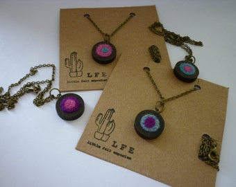 SALE Rustic wood and felt pendant necklace FREE shipping to UK