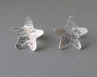 Lace textured star studs