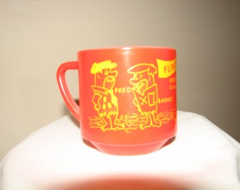 Flinstones Federal Glass Bedrock City Theme Park Mug White Glass