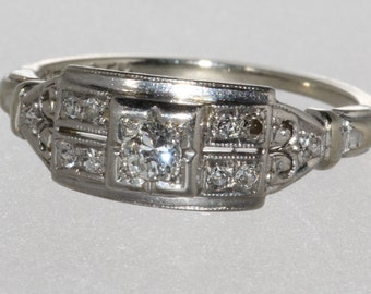 14K White Gold and Platinum .18ct Diamond Vintage Estate Engagement Ring 1940's