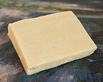 Organic Macadamia Jojoba Cold-Pressed Shampoo Bar