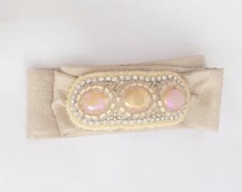 Tie Bracelet in tan/peach