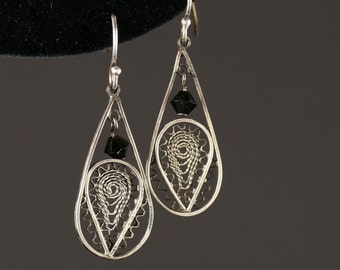 Lacy filigree pear drops