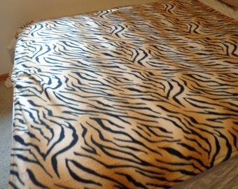 Fleece Tiger Print Throw