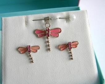 Beautiful set Dragonfly Pendant + Earrings oryginal Box interesting Glass/Enamel