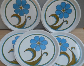 "Five Mikasa "" Light N Lively"" D5502 Dinner Plates"
