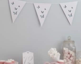 Lovely card Flutterby Bunting