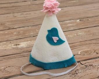 Bird birthday hat, girl's bird birthday hat, first birthday bird hat, girl's first birthday hat, 1st birthday hat, little bird birthday hat