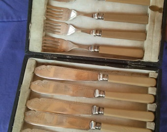 Vintage 1930s Knife Set Art Deco Fish Knives Forks Cutlery EPNS Celluloid Handles