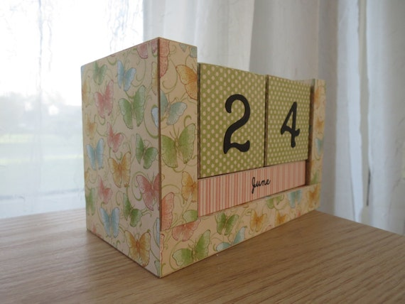 Calendar Wooden Blocks : Perpetual wooden block calendar springtime dainty