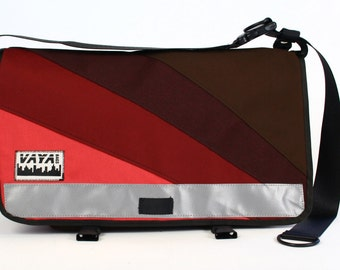 Messenger bag in burgundy, maroon and brown