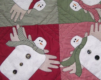 Wallhanging, Snowmen, Decorative Little throw Quilt, Quilted, Homespun, Rustic, Primative, Handmade