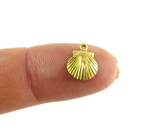 Tiny Brass Sea Shell Charms (12X) (M814)