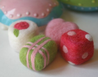 Wool Play Food Tea Party : Petit Fours (Set of Four Felted Pastries, Needlefelted All Natural Toy)