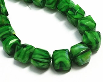 12pc 10.5mm green fancy facted glass beads-9971