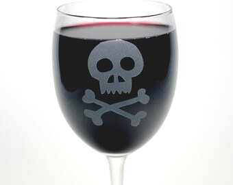 Skull Wine Glass - 12oz etched pirate skull design