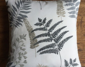 "16"" x 16"" cushion cover - scattered neutral ferns on white"