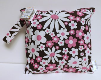 Small Wet Bag - Wet Bag - 11 X 11 - Daisy