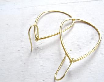 minimalist earrings, hammered gold earrings, gold teardrop, gold sterling silver, XL earrings, teardrop earrings, joyas minimalistas,dorado