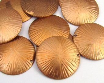 Round textured brass charms, concave stampings, vintage pendants, great patina 22mm, 10 pcs