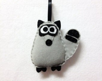 Raccoon Ornament, Christmas Ornament, Felt Animal Ornament, Garth the Gray Raccoon - Made to Order, Stocking Stuffer, Woodland Animals