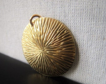 Gold Circle Pendant Bronze Bracelet Connector Item No. 3549