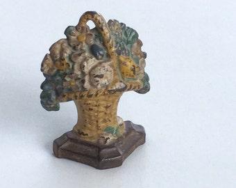 Hubley Doorstop Flower Bouquet Victorian Vintage Cast Iron Bookend