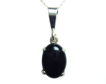 Onyx sterling silver pendant with chain