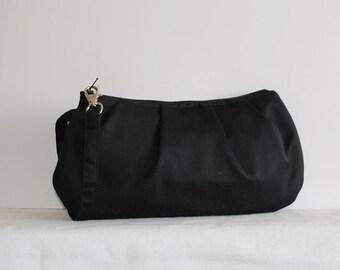 Pleated Wristlet Zipper Pouch // Clutch - Black