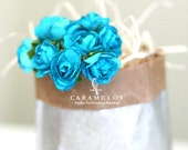 30 Turquoise paper flowers