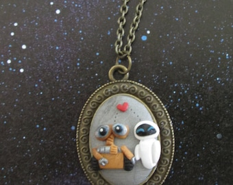 Eves Kiss - Wall-E inspired sculpture pendant