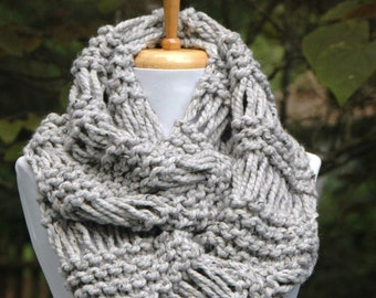 Gray Marble Knit Infinity Scarf, Chunky Scarf, Hand Knit Circle Scarf, Women's Scarves, Knitted Wool Scarf, Mens Scarf, Winter Scarf, Wool