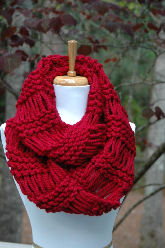 Chunky Scarf, Knit Scarf, Circle Scarf, Cranberry Red, Infinity Scarf, Women Scarves, Fall Scarf, Winter Scarf, Knitted Scarf, Hand Knit