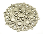1pc - Matte Silver Plated Rustic Circle with Flower desing pendant-75x75mm (401-034SP)