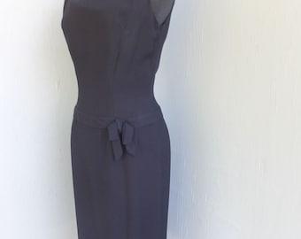Vintage 1950s black Crepe Wiggle Dress / Black Sleeveless Cocktail Dress w/low Slung Waist / Back Metal Zipper
