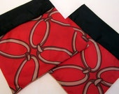 Reusable Sandwich Bag--Blustery Day FlipFlap Sacks--Red Chain