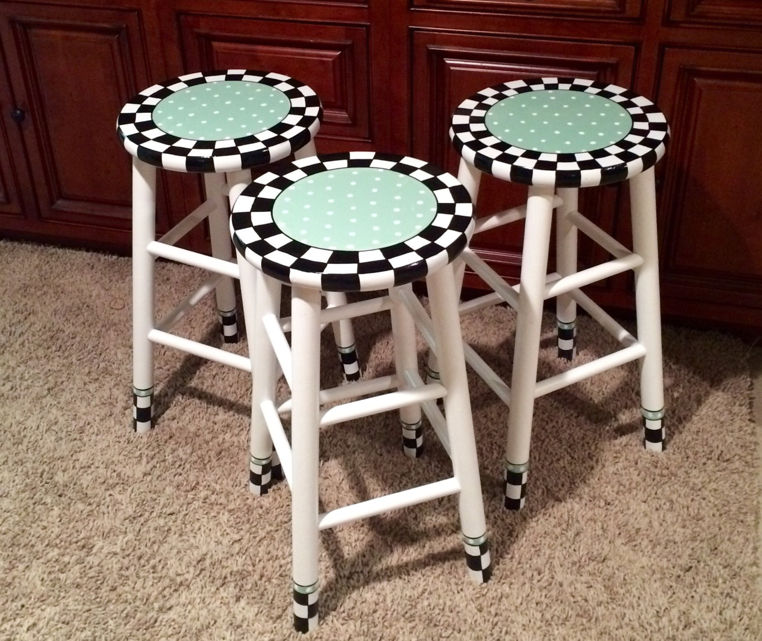 round table and chairs dining set images