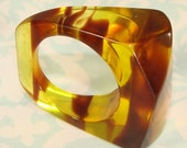 1 Vintage Tortoise Shell Ring - Angular Geometric Plastic Lucite Mod 70s Hippie Friendship Rings Various Sizes Available NOS