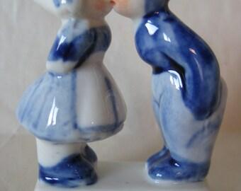Holland Boy Girl Kissing Figurine Vintage Blue White Miniature Porcelain