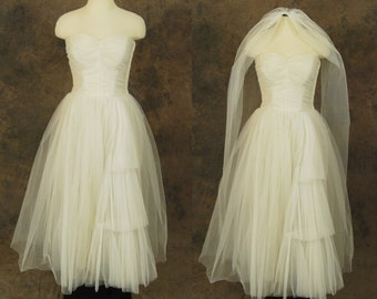 vintage 50s Wedding Dress - 1950s White Princess Bridal Wedding Gown - Pleated Strapless Dress and Veil Sz S