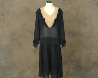 vintage 20s Flapper Dress - 1920s Black Silk Drop Waist Dress Lace Collar Dress Sz L