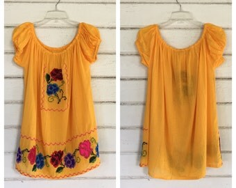 VINTAGE 70s yellow embroidered peasant blouse gauze top