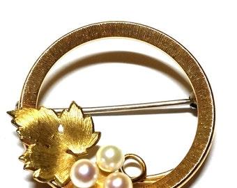 Krementz Circle Pin with Leaf and Three Pearls Vintage Pin