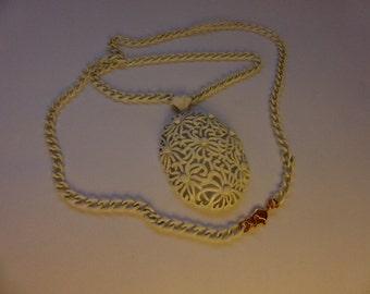 60s MONET Filigree Flower Pendant Necklace Mod White