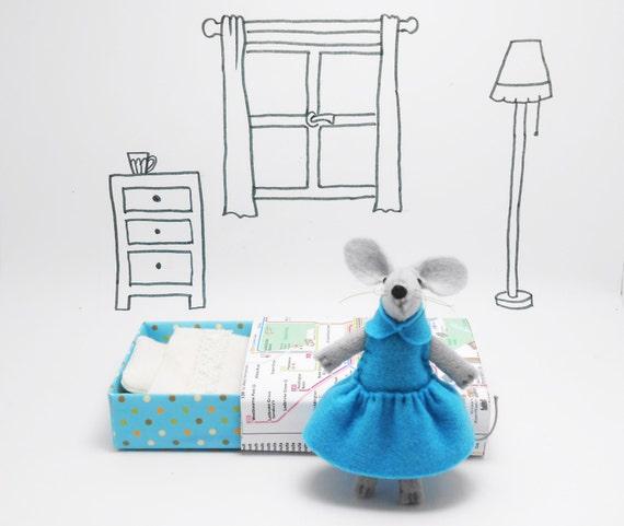 Matchbox stuffed felt animal mouse plush baby blue London underground