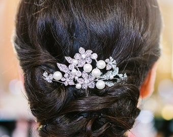 Bridal Hair Comb,  Wedding Head Piece,  Crystal and Pearl Hair Comb, Wedding Hair Accessory