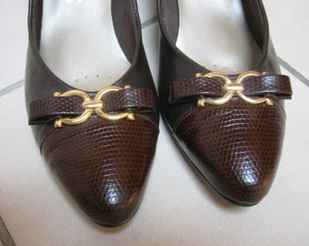 Vintage brown leather low heel pumps Selby, Selby sz 8 brown lizard look leather shoes, equestrian detail brown leather professional shoes
