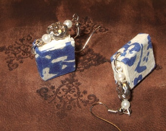 Mini  books earrings
