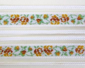 Vintage Trim White Woven Jacquard Ribbon Green Gold Flowers Leaves Mesh West Germany rib0154 (1 yard)